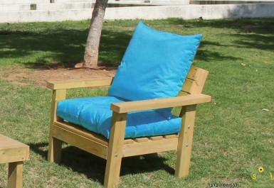 ספסל זולה גבוה עם ידיות ומושב קפיטונז' צבע טורקיז