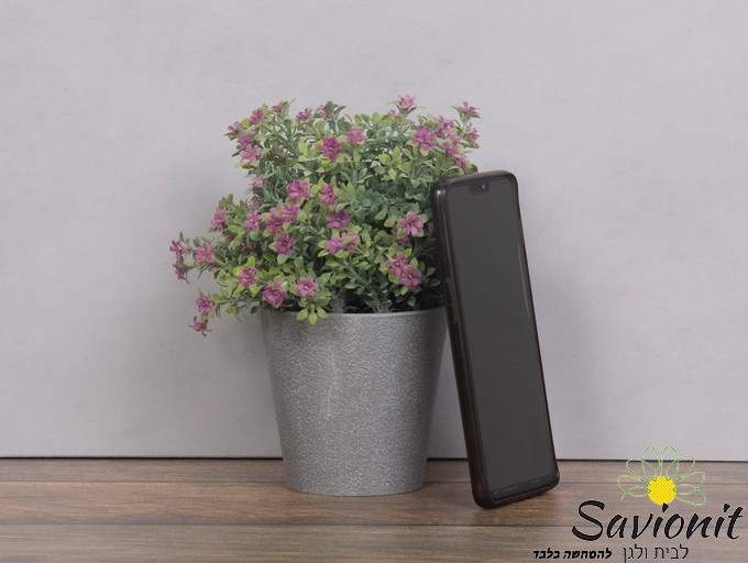 עציץ פלסטיק דמוי בטון פרח סגול